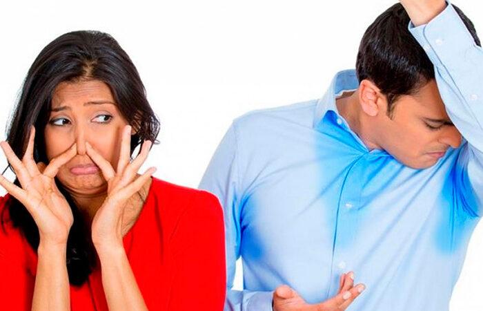 El sudor por estrés huele peor que el sudor normal: he aquí por qué